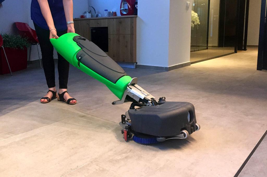 lavaggio pavimenti industriale