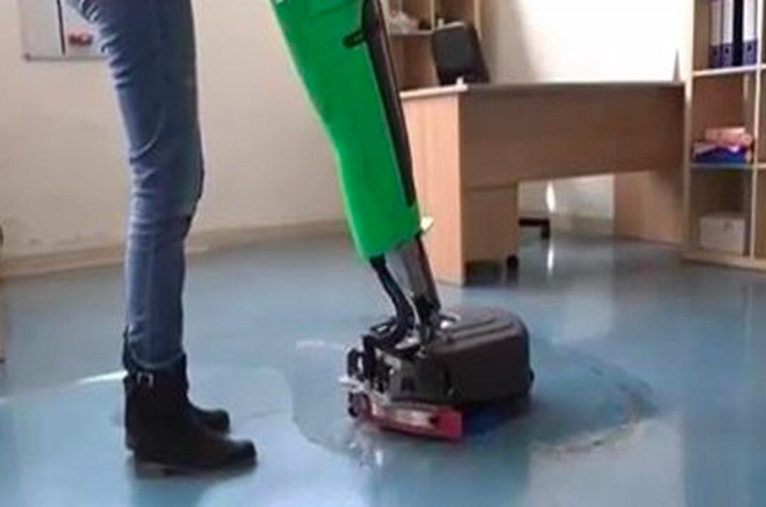 lavaggio pavimenti industriale uffici